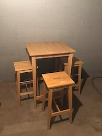 Bar/kitchen table with three stools Seymour, 06483