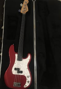 1992 Fretless Fender Precision Bass