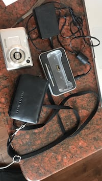 Digital camera with dock charger 3489 km