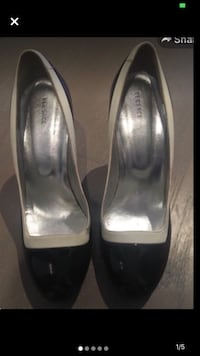 Versace black round toe white trim with silver detail size 40 Toronto, M3A 2R4