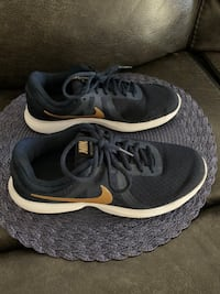Women's Navy blue Nike sneakers size 8 Centreville, 20120