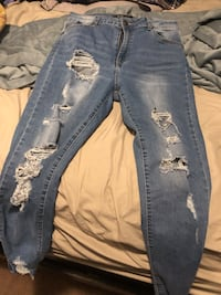 Skinny pant women my dauther use that once size 28 Winnipeg, R3J 1S4