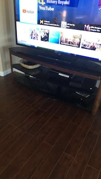 Beautiful high quality tv stand!! Excellent condition!!! Very nice !! 3 shelf  Elk Grove, 95624