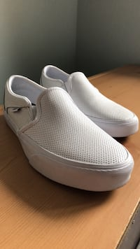 pair of white slip-on shoes Alexandria, 22314