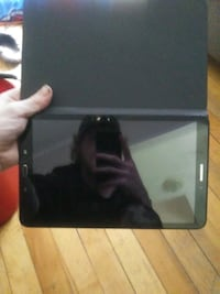 black Samsung Galaxy Tab with box Huron Park, N0M 1Y0