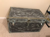 Vintage Storage Steamer Trunk/Chest Damascus, 20872