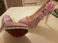 Gorgeous Jewelled red bottom shoes  Whitby, L1N 8X2