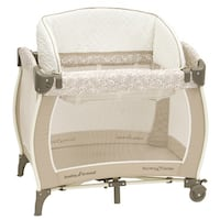 Baby Trend Close N Cozy Playard and Bassinet Brampton, L6V 2S9