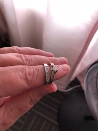 Great condition ring, want gone size 7 and a half. Hemet, 92545