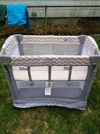 Arms reach co sleeper for infants n small babys