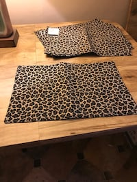 NWT cloth placemats - reversible leopard print or black