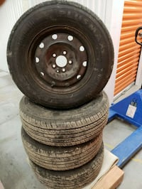 black  hole rims with tire,s for 2006 dodge Carava Toronto, M3A