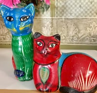 two cat figurines