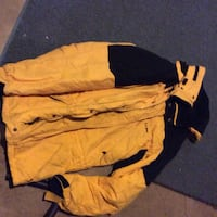 yellow and black button-up jacket Grand Bay-Westfield, E5K