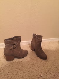 Size 9 A2 by Aerosoles ankle boots Irving, 75039