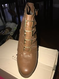 pair of brown leather boots Los Angeles, 91364