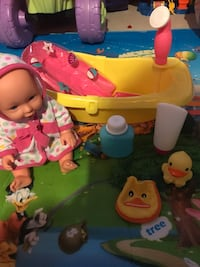 Baby doll with bathtub for girls  Markham, L6C 0S2