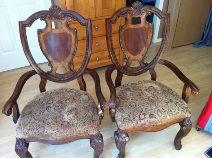 Solid Arm Chairs 62fb0477-5809-4abf-8092-aa7e0f3d40ec
