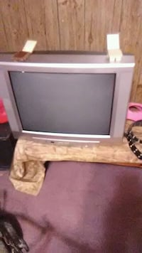 gray CRT television with remote Lancaster, 43130