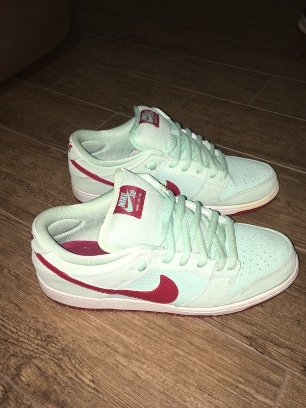 detailed look ef9f7 2d8b5 Nike SB Monopoly Dunk Low 9.5 Sneaker Shoes