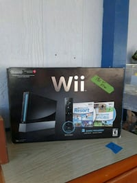 Wii with 2 games, never used. Longview, 98632