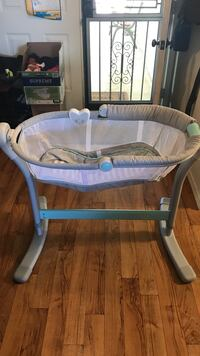 SwaddleMe Bassinet.  Light used. Baby is too big for it now.  Rio Rancho, 87124