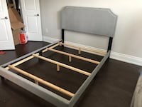 Brand new in box, light grey velvet bed frame with adjustable headboard warehouse sale  多伦多, M1S