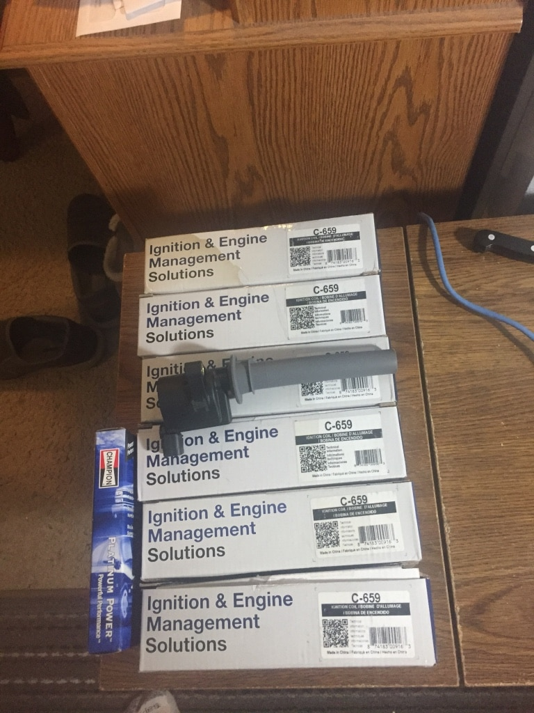 Photo On plug coil packs and 6 spark plugs