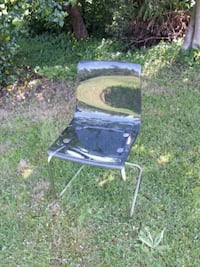 Acrylic chair new with small crack Langley, V2Z 2W8
