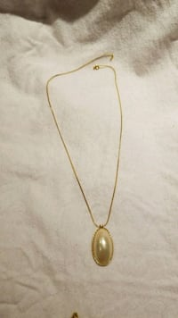 gold-colored pendant necklace Takoma Park, 20912