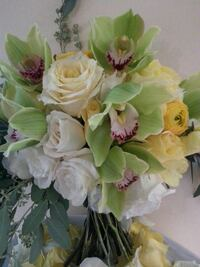 white and yellow floral bouquet Laurel, 20723