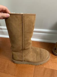 TAN TALL UGGS SIZE 8!! Mississauga