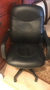 black leather office rolling armchair Los Angeles, 90024
