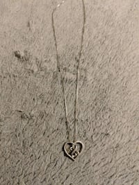silver chain link necklace with heart pendant Chicago, 60639