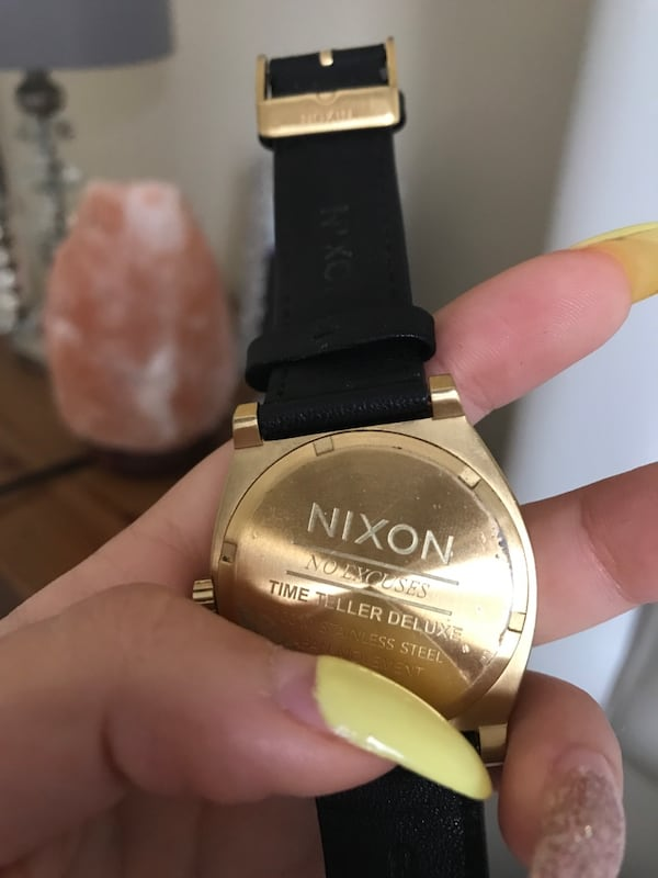 Nixon Watch good condition, running , no box but authentic 526a6d03-210a-4c59-97cd-ad09c900c195