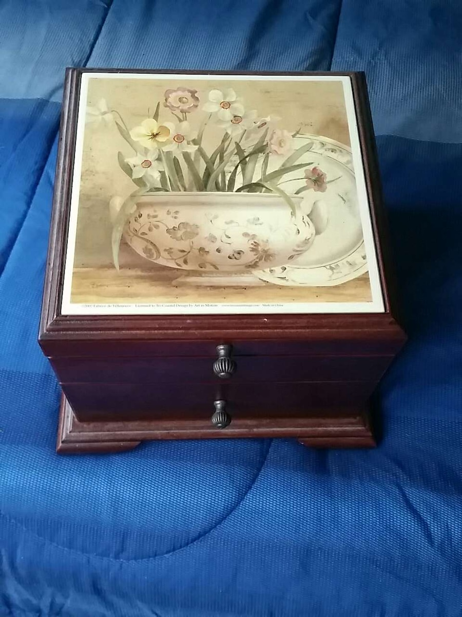 used jewelry box in nashua