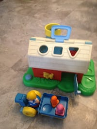1987 Weebles Playskool Barn with box PITTSBURGH
