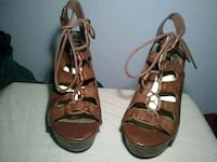 pair of brown leather open-toe heeled sandals Forestville, 95436