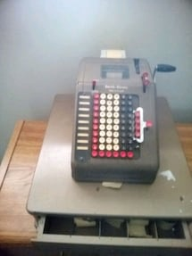 Cash register antique still works
