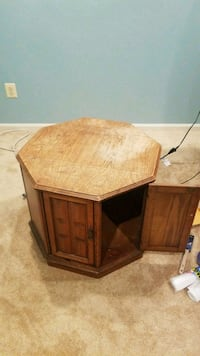 Retro octagon end table  Ashburn, 20147