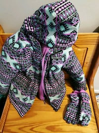 Girls winter jacket and gloves size 5/6 Toronto, M6S 2T7