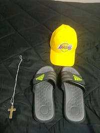 Brand new lakers slides and chain