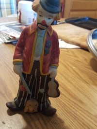 clown holding a violin ceramic figurine Sterling Heights, 48313