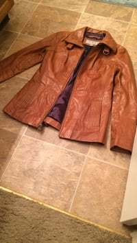 Authentic brown leather zip-up jacket Mission, 66202