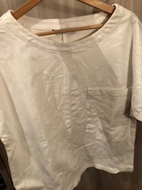 T-shirt bianca rigida Zara a collo largo