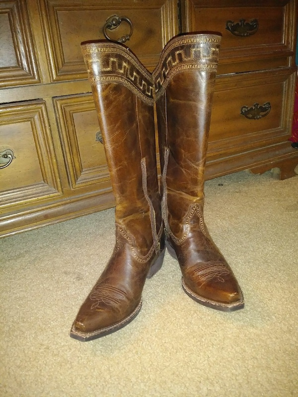 0be4b07bf09c41 Ariat 10011941 Sahara Women s Leather Boots usati in vendita a Newport -  letgo