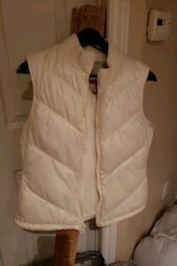 White spring/fall vest, warm  Kitchener, N2N 3J6