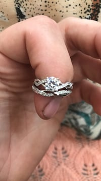 silver-colored diamond ring Derby, 06418
