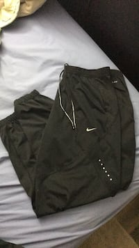 Women's XL nike reflective running pants  Surrey, V4N 1H6