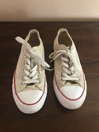 Pair of gray converse low-top sneakers woman size 7 1/2 or 8 Norwalk, 90650